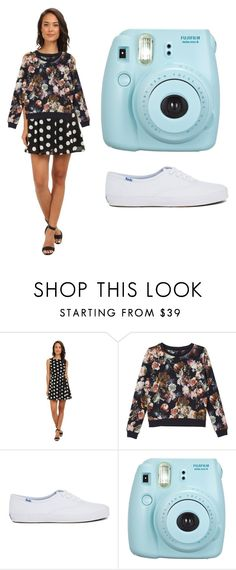 one dress many ways Gabriella Rocha, Fashion Women, Women's Fashion, White Floral Dress, Monki, Keds, Women's Clothing, Polka Dots, Clothes For Women