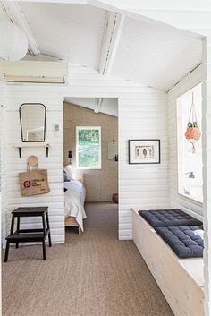 I really love this marvellous window greenhouse House Inspiration, Cabin Design, Summer House Interiors, Cottage Inspiration, Home And Living, House Interior, Home Living Room, Home, Cozy House