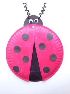 Ladybug Paper Plate Craft for Kids {+ Free Printable Template!} - Six Clever Sisters