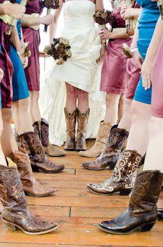 Lauren + John: Rustic Winter Wedding - Weddingstar Blog