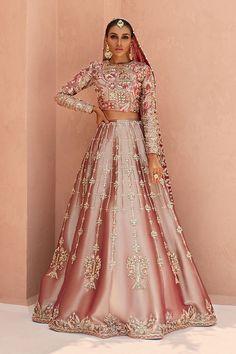 Pakistani Bridal Lehenga, Latest Bridal Lehenga, Designer Bridal Lehenga, Pakistani Mehndi, Pakistani Wedding Dresses, Pakistani Dress Design, Lehenga Wedding, Pakistani Outfits, Wedding Lehenga Designs