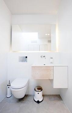 Enkelt, stilrent og lidt r?t badevaerelse i flot nordisk design. Se ...