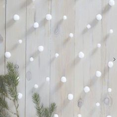 Add a rustic feel to your Christmas with this gorgeous Snowball pom pom garland. The simplistic design is the perfect garland to hang in your home. Diy Christmas Garland, Snowflake Garland, Christmas Card Holders, Pom Pom Garland, Diy Garland, Rustic Christmas, Winter Christmas, Christmas Decorations, Xmas