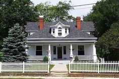 Beautiful historical home located in small NC town with privacy & charm! Beautiful oak floors, natural doors, all 35 new insulated windows, built-ins with character & excellent storage throughout. Spacious rooms with 11′ ceilings, bay windows, 4 unique mantles, many original chandeliers. Kitchen renovation in 2012 custom cabinets, ss appliances. 1st floor master 14′x11.6′ Upstairs sitting area: 3 large bedrooms.