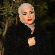 Red lips for the freezing night ❤️ Photo by @bo_s3yeeed  Lipstick: Nouba #7