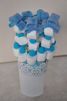 queparty!: Macetas de chuches Baby Shower Decorations For Boys, Baby Shower Themes, Baby Boy Shower, Baby Shower Desserts, Baby Shower Parties, Bonbons Baby Shower, Frozen Birthday Party, Birthday Parties, Candy Kabobs