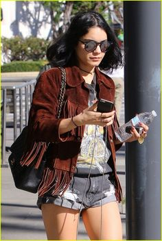 Vanessa Hudgens Shares Message For Her Dad on Snapchat: Photo #926932. Vanessa Hudgens shows off her legs in denim shorts on Wednesday (February 10) in Studio City, Calif.    The 27-year-old actress shared Snapchats from the memorial…