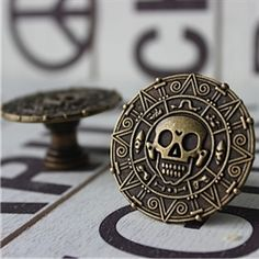Exceptionnel Pirate Drawer Knobs   Cabinet Knobs   Furniture Knobs With Skull In Brass  When Your Little Pirate Sails Out On The High Seas In Search Of