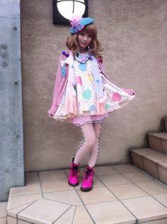 Love her cute dress, harajuku style x