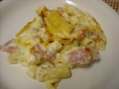 Mommy's Kitchen: Baked Ham Rigatoni ~ Cheesy Good ~ (use the costco ham steaks) Ham Recipes, Great Recipes, Cooking Recipes, Kitchen Recipes, Favorite Recipes, Yummy Recipes, Yummy Food, Pasta Recipes, Yummy Treats