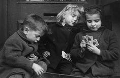 Los jugadores de cartas // The card players (by Ruth Orkin, 1947)