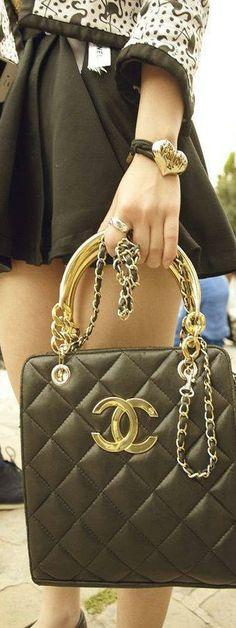 Chanel  |on the streets  LBV ♥✤ | KeepSmiling | BeStayElegant