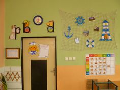 Námořnická výzdoba 1.B Gallery Wall, Organization, Teaching, School, Frame, Home Decor, Sailors, Getting Organized, Organisation