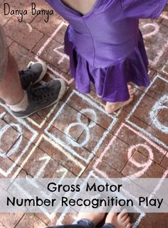 Easy 'no rules' gross motor game that will get the preschool aged kids jumping and help with number recognition. ~ Danya Banya #preschooler #preschoolers #math