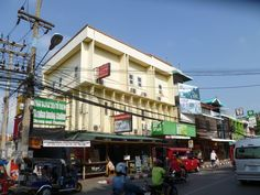 Chiang Mai Central Guesthouse Thailand, Asia Central Guesthouse is conveniently located in the popular Old City area. The hotel offers a high standard of service and amenities to suit the individual needs of all travelers. Service-minded staff will welcome and guide you at the Central Guesthouse. Guestrooms are designed to provide an optimal level of comfort with welcoming decor and some offering convenient amenities like internet access – wireless, internet access – wireless ...