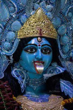Kali Hindu, Durga Maa, Kali Goddess, Mother Goddess, Kali Statue, Navratri Wallpaper, Kali Mata, Vaishno Devi, Lakshmi Images