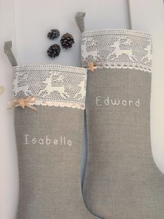 I love the reindeer lace! I am now in search for something similar!