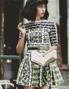 Kimbra's style is fun, edgy, bold, creative and original... i love her AND her music.