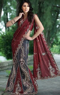 Saris are so gorgeous. Wish I could wear one everyday.... www.yourdesignerwear.com Beautiful saree. So want this.