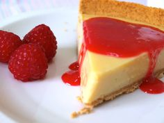 How to Make a Fruit Coulis - Delishably Dessert Sauces, Dessert Recipes, Desserts, Easy Cooking, Cooking Recipes, Coulis Recipe, Berry Coulis, Key Lime Cheesecake, Fruit Sauce