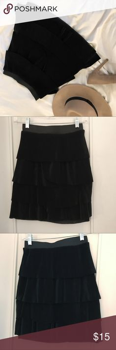 NWT Skirt H&M | Black layers skirt This is NWT skirt from H&M. It's black with nice layers. Goes well with a cute top over or an oversized sweater! H&M Skirts High Low