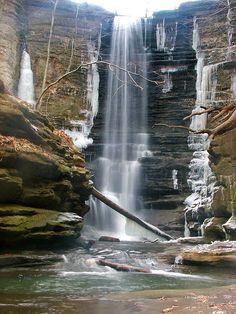 Matthiessen Waterfall