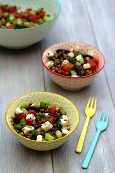 Salade de lentilles à la grecque Veggie Recipes, Salad Recipes, Healthy Recipes, Healthy Eating Tips, Healthy Nutrition, Healthy Food, Vegetable Drinks, World Recipes, Good Food