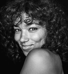 """All smiles lovely Monday, Black And White Portraits, Black And White Photography, Pretty People, Beautiful People, Face Photography, Smiling Photography, Photo Reference, Portrait Inspiration, Drawing People"