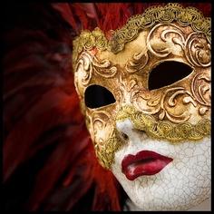 mascara veneciana.-
