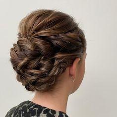 Gecreëerd door onze haarstylisten van AMI Kappers Heerde Up Hairstyles, Fashion, Moda, Hairdos, Fashion Styles, Fasion, Up Dos