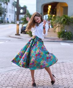 """@ishkabibbles skirt #throwback outfits, photo by  @fotolucid  #spring #flowers #style"""""""