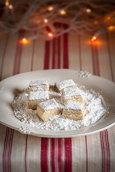 "Hojaldrinas - a wonderful treat for the Christmas Season ~ via this blog, ""María Lunarillos""."
