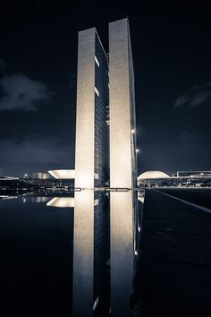 It occurs to me many great architects are especially long lived: Frank Lloyd Wright, I.M.Pei, Gehry, and ... Oscar Niemeyer, 1907-2012 the man behind Brasilia  (Maybe its because they seem to really hit their stride rather late in life that they LITERALLY do not want to stop... )