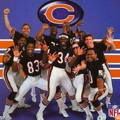 Walter Payton and Chicago Bears 1985 Chicago Bears, Chicago Bears Super Bowl, Chicago Illinois, Bears Football, Sport Football, Sports Stars, Nfl Sports, Jim Mcmahon, Chicago Movie