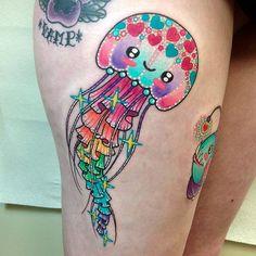 Jellyfish tattoo by Roberto Euán. colorful girly sparkles sparkly glittery pretty RobertoEuan goldlagrimas jellyfish pinkwork