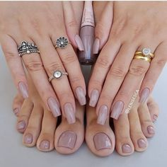 Matchy nude foot and hand nails! via @lenisesca