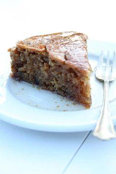 Fanouropita: Greek cake with cinnamon and brandy Greek Cake, Eat Greek, Vegan Sweets, Vegan Desserts, Egg Free Cakes, Greek Cookies, Greek Pastries, Cake Recipes, Dessert Recipes