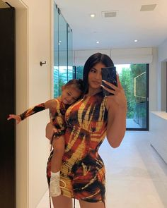 Kylie Jenner Covers Harper's Bazaar Arabia with Daughter Stormi, 17 Months, and Mom Kris Jenner Kylie Jenner Vestidos, Kylie Jenner Fotos, Mode Kylie Jenner, Looks Kylie Jenner, Kylie Jenner Outfits, Kylie Jenner Bikini, Kendall And Kylie, Life Of Kylie, Kyle Jenner