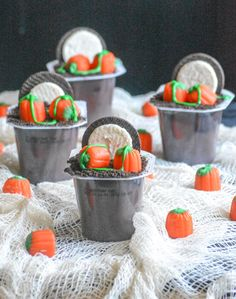 50 Non Scary but cute Halloween Snacks for Kids Party ideas - Hike n Dip Halloween Oreos, Halloween Snacks For Kids, Creepy Halloween Food, Halloween Appetizers, Healthy Halloween, Cute Halloween, Halloween 2020, Shirley Temple Drink