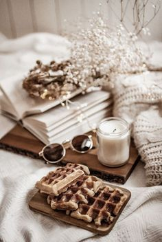 I want to spend the afternoon doing this. Cozy Aesthetic, Cream Aesthetic, Brown Aesthetic, Aesthetic Coffee, Aesthetic Iphone Wallpaper, Aesthetic Wallpapers, Flatlay Instagram, Fred Instagram, Beige Wallpaper