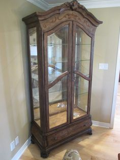 HOWARD MILLER LIGHTED DISPLAY CURIO Estate sale from incredible Cumberland home – 1580 Stackhouse Court, Cumberland ON. Sale will take place Saturday, May 2nd 2015, from 8am to 4pm. The closest major intersection is Highway 174 & Old Montreal Road. Visit www.sellmystuffcanada.com to view photos of all available items and full sale description!