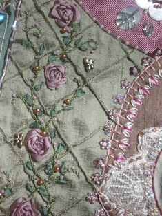 I ❤ crazy quilting . . . by Betty Pillsbury, looks like a trellis covered in roses