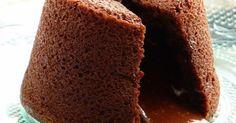 A la maison, nous sommes tous très gourmands, surtout de chocolat.  Le coulant au chocolat est la recette qui nous fait tous fondre de plais...