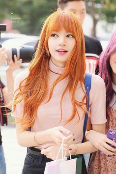 ♡Blackpink in your Area♡ - Lisa Kpop Girl Groups, Korean Girl Groups, Kpop Girls, Blackpink Lisa, Blackpink Jennie, K Pop, Rapper, Peinados Pin Up, Kim Jisoo
