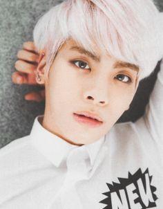 Jonghyun is so stunning