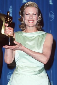 Pin for Later: 23 Talented Women Who Swept Award Season Kim Basinger Year: 1998 Film: L.A. Confidential Award: Best supporting actress