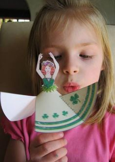 Cute Project for the Wee Irish Dancer: sweet dancing Irish Fairy. To redo as an Irish dancer for Reely Clever. St Patrick's Day Crafts, Fun Crafts, Crafts For Kids, Dance Crafts, Dancing Dolls, Halloween Vampire, Recycling, Thinking Day, Craft Activities For Kids