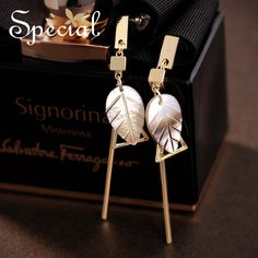 Special Brand New Fashion Leaf Stud Earrings Natural Sea Shell Ear Pins Ear Piercing Summer Jewelry 2017 Gifts for Women S1632E