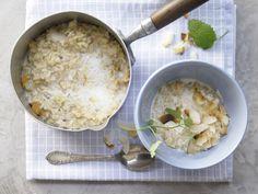 Naturreis-Porridge - mit getrockneter Mango:      87 ½ g Vollkornreis      20 g getrocknete Mango      1 EL Bananenchips      225 ml Milch (1,5 % Fett)