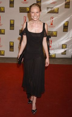 #KateBosworth was all smiles in a black gown at the 2003 Critics' Choice Awards. #fashion #celebrity
